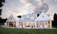 modern farmhouse--Architect Hugh Newell Jacobsen...