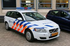 Dutch police Volvo V50 Volvo Models, Volvo V50, National Police, Police Uniforms, Volvo Cars, Emergency Vehicles, Police Cars, Cops, Cars And Motorcycles