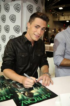 """Warner Bros. At Comic-Con International 2014  SAN DIEGO, CA - JULY 26: In this handout photo provided by Warner Bros, Colton Haynes of """"Arrow"""" attends Comic-Con International 2014 on July 26, 2014 in San Diego, California. (Photo by Michael Yarish/Warner Bros. Entertainment Inc.)"""
