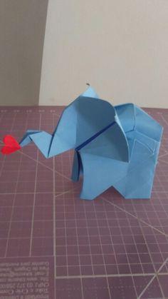 Elefantinho  de 5cm,  mas com muita boa sorte  e amor !!!