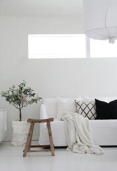 Wohnzimmer minimalistisch in schwarz weiß