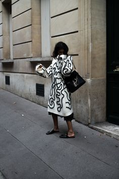 PARIS FASHION WEEK16  Wearing Sportmax Sweater and Gucci Princetown Slipper.