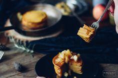 Tekvicové lievance s ricottou, karamelizovanými jablkami a slaným karamelom