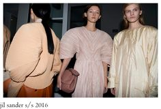 Milan marches on as Jil Sander sends simple and subdued luxury down the runway Ss 2017, Jil Sander, Milan, 2017 Wallpaper, Women Wear, Ruffle Blouse, How To Wear, Spirit, Base