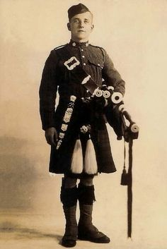 72nd Seaforth Highlander piper