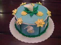 "Spring-Ish Cake WASC with Nutella/FP filling. This cake was for my cake class ""final"". All BC with RI mums, daisies. Delicious Cake Recipes, Yummy Cakes, Biscuits, Play Doh, Calla Lily, Cake Art, Daffodils, Spring Flowers, Nutella"