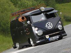 He even has a very scarce window aircooler. This van is uber cool. Needed a chrome bumper Volkswagen Transporter, Volkswagen Bus, Vw T1 Camper, Vw Caravan, Transporter T3, Combi Ww, Carros Vw, Combi Split, Vw T3 Doka
