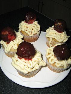 cupcakes, vegan, spagehetti and pasta , theme cupcake, buttercream,banana cake