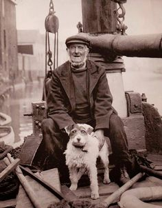 Old sailor and dog, a Wire Jack Russell. Who says dogs don't resemble their owners. Vintage Photographs, Vintage Photos, Bull Terrier Dog, Vintage Dog, Old Dogs, Jack Russell Terrier, Dog Photos, Old Pictures, Belle Photo