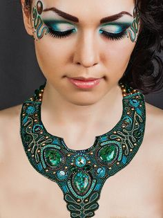 Lorien collar by Tatiana Nekrashevich ~ I love the patterns she's woven into this piece!