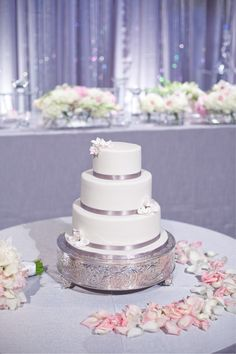 silver and light pink wedding cake