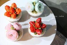 Done by me for order enohanacake.com Kakaotalk ID:touko76 Line:enohanaflowercake  Enohana flower cake & baking class studio  정규, 원데이클래스 모집합니다. 수업문의는 카톡ID->touko76 으로 문의 주세요 #tulip#buttercreamcupcake #버터크림플라워케이크#플라워케이크 #플라워케이크클래스 #birthdaycake #주문케이크#수제케이크#생일케이크#웨딩케이크#buttercreamcake #꽃케이크#buttercreamflowercake #flowercake #에노하나케이크  #weddingcake #フラワーケーキ教室#dessertstagram #flowercakeclass #bakingclass #연남동#bakingstagram #cakedecorating#koreanflowercake#花蛋糕#specialcake #フラワーケーキ#cakedecoration