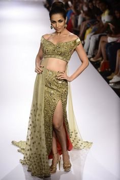 12 Trends to Embrace From Lakme Fashion Week Fall-Winter 2015 Indian Attire, Indian Wear, Lakme Fashion Week, Fall Winter 2015, Bridal Lehenga, New Trends, Indian Fashion, Dresses Online, Anarkali