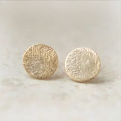paperminty: (via Gold Textured circle earrings by laonato on Etsy)