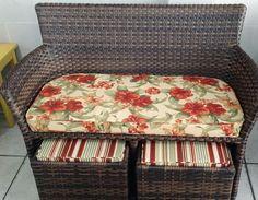 Sofá Escarpas com Puff's Puff, Vanity Bench, Beach, Image, House, Furniture, Design, Home Decor, Rattan Chairs