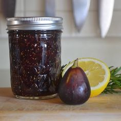 Drunken Fig Jam. Looks like an easy recipe to follow. Great pictures too. Yummy!!!