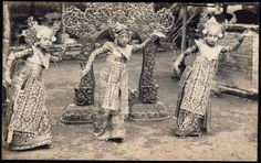 BALI, Native Girls Legong Dancers 1930s
