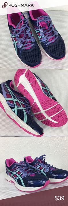ASICS Gel contend 3 women running shoes. Size 8