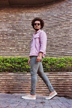 Jaqueta Millennial Rosa Riachuelo - Calça Chino Verde Militar - Vans Cobra - Snake Print Vans - Pink Jacket - Street Style - Summer Look - Men Style - Look Verão