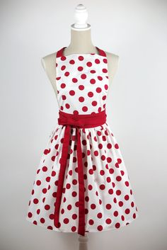 LUXURY CHIC&Lovely apron RETRO White by CHICLovely on Etsy #retro #apron #retroapron