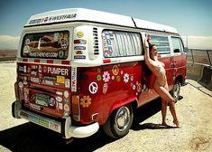 Not vintage but nice bus and model Vw Bus T2, Volkswagen Bus, Vw T1, Vw Camper, Camper Life, Kombi Hippie, Hot Vw, Bus Girl, Vw Vintage