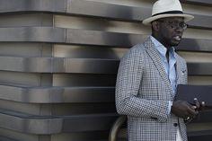 Inspirador esse look de street style masculino clicado na Pitti Uomo 92. bbacaa9484d