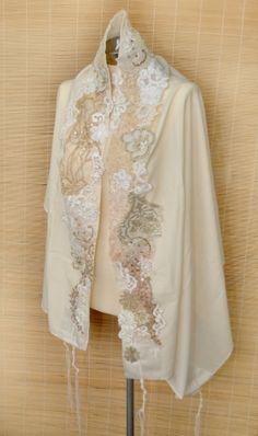 Tallit religious ceremony of bat mitzvah Ivory vintage lace (prayer shawl)