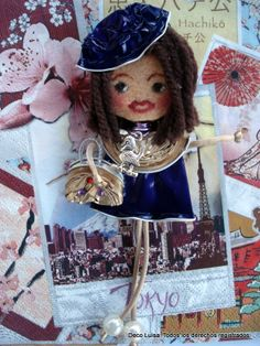 Georgina De Luxe viajera. Broche de muñeca Georgina personalizado. Estas muñecas están hechas con cápsulas de nespresso y fieltro. Se hacen por encargo. Ideales como detalles de invitadas en cualguier tipo de evento. Aviso estas muñecas no se pueden copiar, están registradas.