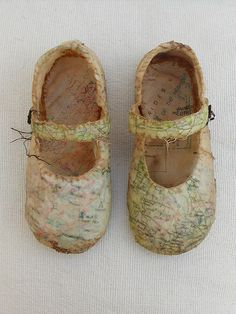 You are here (mixed media) Louise Richardson. I'd like to do something arty with a pair of Isaac's baby shoes. Mixed Media Collage, Collage Art, Paper Shoes, Encaustic Art, Paperclay, Gcse Art, Assemblage Art, Art Plastique, Map Art