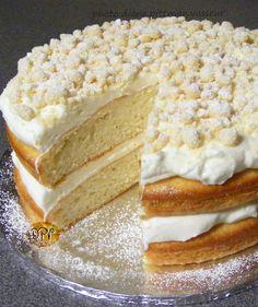 Make and share this Lemon Cream Cake (Olive Garden) recipe from Genius Kitchen. Lemon Desserts, Lemon Recipes, Just Desserts, Delicious Desserts, Cake Recipes, Dessert Recipes, Yummy Food, Cupcakes, Cupcake Cakes
