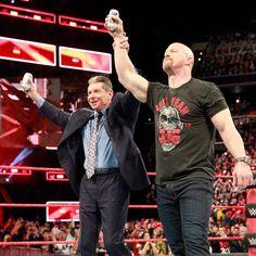 Stone Cold Steve Austin Verpasst Shane Und Mr McMahon Den Stunner Fotos