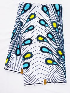 African print fabric sold by yard/ Ankara fabric/ Electric bulb ankara/ African Supplies for dress skirt/ White African fabric/ dutch wax by Shopafrican on Etsy Ankara Fabric, African Fabric, African Wedding Dress, African Wear, African Style, African Design, African Fashion Dresses, Fashion Prints, Printing On Fabric