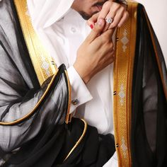 Wedding Poses, Wedding Photoshoot, Wedding Shoot, Wedding Couples, Arab Wedding, Wedding Bride, Arab Couple, Wedding Photo Pictures, Arab Swag