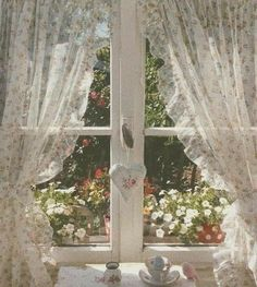 Spring Aesthetic, Nature Aesthetic, Aesthetic Photo, Aesthetic Pictures, Aesthetic Green, Aesthetic Pastel, Travel Aesthetic, Aesthetic Fashion, Cottage In The Woods