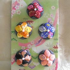 Hemisphere kimono fridge magnets. This craft idea from Japanese KIMEKOMI (pronounced kee may ko mee) craft.