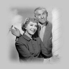 The Burns and Allen TV Show; George and Gracie were up there with Jack Benny and I Love Lucy in the fan fav. sit-com TV shows. The couple had made the transition from movies and radio to TV seamlessly. Hooray For Hollywood, Hollywood Stars, Classic Hollywood, Old Hollywood, Hollywood Couples, Hollywood Glamour, George Burns, Old Time Radio, Famous Couples