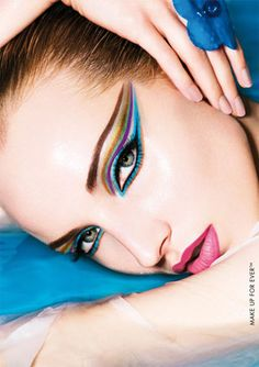 we will also have eyeliner workshops!!! Held by our director of makeup artistry Judy Edelman
