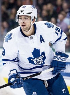 Joffrey Lupul - he looks better with his helmet on :p Hockey Stuff, Hockey Teams, Hockey Players, Nhl, Hockey Live, Maple Leafs Hockey, Marc Andre, Toronto Maple Leafs, World Of Sports