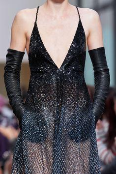 Valentino Fall 2020 Ready-to-Wear Collection - Vogue Valentino, Daily Fashion, Fashion Show, Fashion Outfits, Alexander Mcqueen, Fashion Creator, Dior, Chanel, Fashion Designer