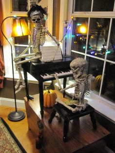 Skeleton Recital Posed skeletons