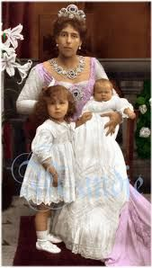 Victoria Melita with Marie and baby Kira