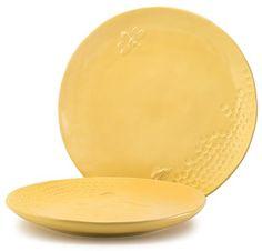 Honey bee dinner plates. Oh I want them so...