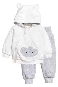 Set with a hooded jacket and pants in soft velour. Jacket with jersey-lined hood with attached ears. Diagonal zip and appliqu Baby Outfits, Kids Outfits, Baby Boy Fashion, Kids Fashion, Velour Jackets, Baby Kind, Baby Kids Clothes, Babywearing, Baby Dress
