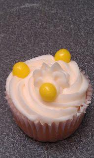 A Cupcake a Week: Savannah Smiles Cupcakes