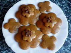 Medovníčky,ktoré netvrdnú Christmas Sweets, Christmas Baking, Christmas Cookies, Honey Cookies, Oreo Cupcakes, Croatian Recipes, Gingerbread Cookies, Nutella, Cooker