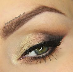 This beautifullllll look by makijazowo21 is perfect for daytime. She used Makeup Geek Eyeshadows in Desert Sands, Mocha, and Peach Smoothie + Makeup Geek Foiled Eyeshadows in In The Spotlight and Starry Eyed.