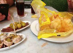 patatas-torres-y-tapas-interior-vermutería-del-tano-gracia-barcelona