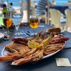 Pulled Pork, Resorts, Spain, Meat, Ethnic Recipes, Food, Shredded Pork, Vacation Resorts, Meals