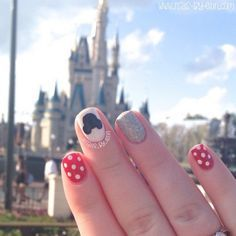 What's the best way to show off your Minnie nails? Right in front of the Magic Kingdom castle, of course! Click through for more Disney nail art ideas that will be perfect for your summer vacation.