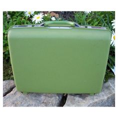 Vintage Samsonite Round Suitcase Green Marbleized ❤ liked on Polyvore featuring bags and luggage